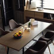 跃层简约风格原木餐厅桌椅装饰