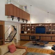 原木系复式楼客厅简约置物架装饰
