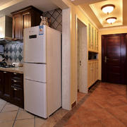 美式简约风格L型厨房效果图