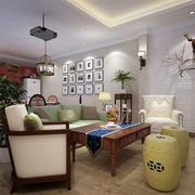 三室一厅简约风格客厅照片墙装饰