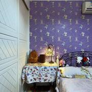 别墅简约风格卧室床头柜装饰