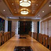 日式料理店简约风格桌椅装饰