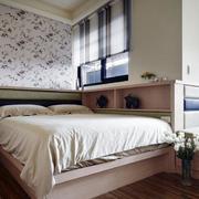 三室两厅简约风格卧室背景墙装饰
