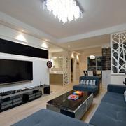 两室两厅客厅原木地板装饰