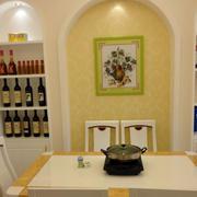地中海风格复式楼客厅酒柜装饰