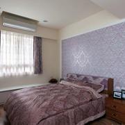 浅紫色卧室床头背景墙装饰