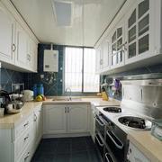 美式风格L型跃层厨房装饰