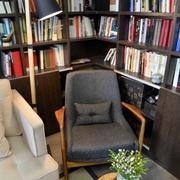 两室一厅书房整体书柜装饰