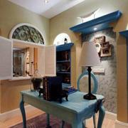 书房蓝色书桌装饰