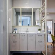 两室一厅卫生间浴室柜装饰