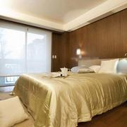 卧室简约原木背景墙装饰