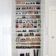 北欧风格开放式鞋柜装饰