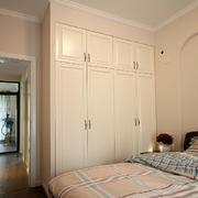 两室一厅简约风格卧室整体橱柜装饰