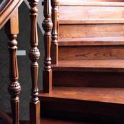 中式别墅原木楼梯扶手装饰
