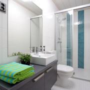 简约风格浴室柜装饰
