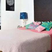 三室一厅简约卧室装饰