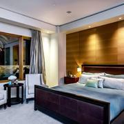 后现代风格卧室床头原木背景墙
