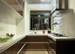 烟味缭绕的厨房装修效果图