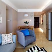 两室一厅客厅皮制沙发装饰