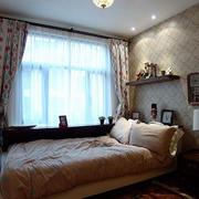简约风格儿童房床头置物架装饰