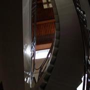 简约风格四合院旋转楼梯装饰