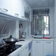 现代简约轻快厨房设计