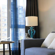客厅灰色系沙发装饰