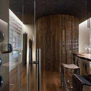 简约风格酒窖玻璃隔断装饰
