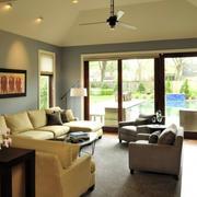 混搭风格暖色客厅沙发背景墙