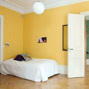 现代简约风格卧室原木地板装饰