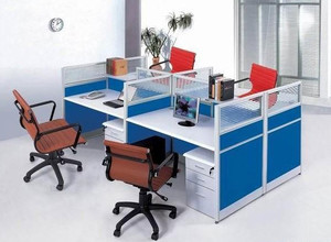 现代简约风格办公桌装饰