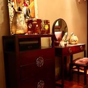 婚房卧室镜饰设计