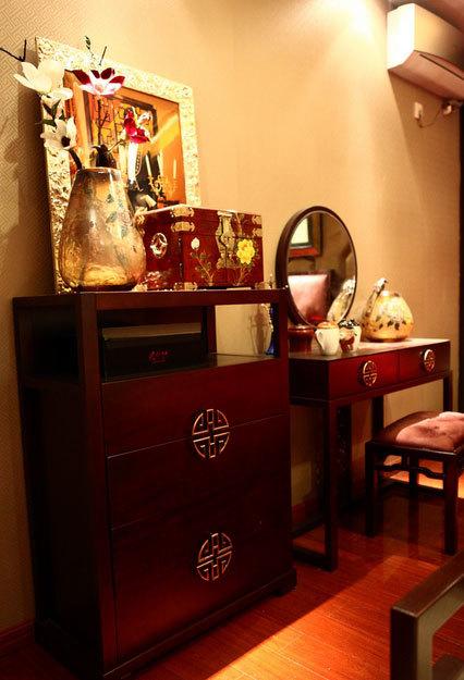 喜庆的中式婚房布置图片装修效果图
