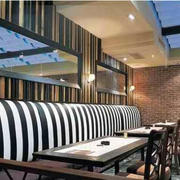 咖啡厅简约风格桌椅装饰