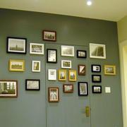 美式客厅照片墙隐形门装饰