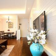 两室一厅简约客厅吊顶设计