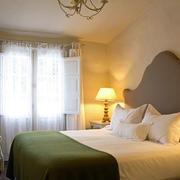 简约风格欧式卧室床饰装饰