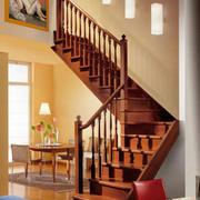 原木浅色楼梯设计