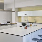 简约风格白色系厨房吧台效果图