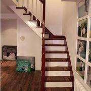 跃层简约风格楼梯装饰