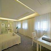 欧式白色卧室简约吊顶装饰