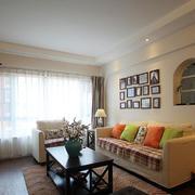 两室一厅美式照片墙装饰