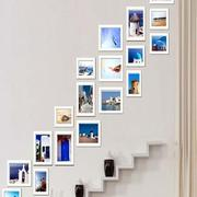 复式楼简约风格照片墙装饰