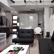 阁楼简约风格客厅沙发装饰