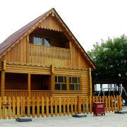 美式斜顶原木别墅装饰