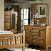 美式原木浅色家具装饰