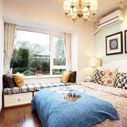 小户型简约风格卧室床头背景墙设计