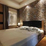 卧室简约花纹墙饰设计