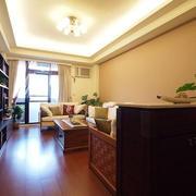 三室一厅暖色系客厅设计