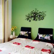 后现代风格卧室墙贴设计